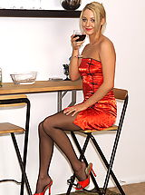 keely 02 glass of wine spreads pussy