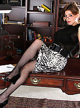Secretary Fuck, Valarie, Anilos Latina Valarie slips off her office attire and spreads her pussy atop her desk