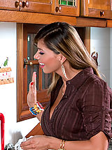 Naughty Office, Epsperanza Gomez gets fucked hard in the kitchen