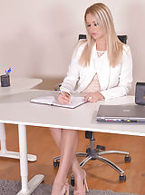 Office Sex, Nikky Dream