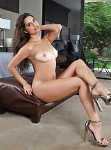 High Heels, Pussy Picture Set #965 Sexy Lady Carol Luna Naked