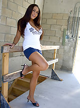 Spike Heels, Renna gets naked at a construction site