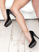 Stiletto Heels, Emily Thorne