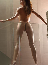 Supermodel Eufrat poses nude in the House of Glass...