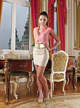 Hot Secretary, Nude Wicked 937 Foxy Di divulges her own big bust