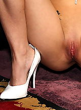 Yelolow Heels, sandy waltrick 08 shaved pussy widener speculum