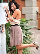 High.Heels Pics: Mandee gets naked in a public place