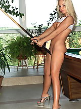 Blue Heels, dawn 01 poolbilliard puffynipples bottle