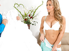 Nicole Aniston,Naughty Weddings,Nicole Aniston, Chad White, Bride, Friends Girlfriend, Couch, Dressing Room, Floor, 69, American, Ass licking, Big Dick, Big Plastic Tits, Big Breasts, Blonde, Blow Job, Bubble Ass, Caucasian, Facial, Artificial Tits, Green