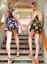 Upskirt Pics: Naked Girls Pics of Nicole and Veronica Gorgeous Tourists