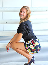 Yelolow Heels, Summer gives upskirt glimpses