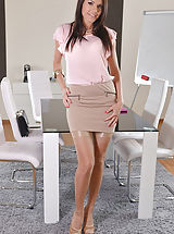 Naughty Secretary, Kitana-Lure