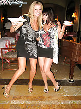 After dinner in Cabo, Kelly and Ryan want some dessert so they go back to their room with Sienna West.