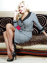 Undressed Housewife in Sexy underwear Sexy suited Michelle at her leg and feet posing best! In a tremendously unique retro pantygirdle she  does one  for the RHT nylons foot and leg lover..For most people this lady delectible snatch play and kinky girdle